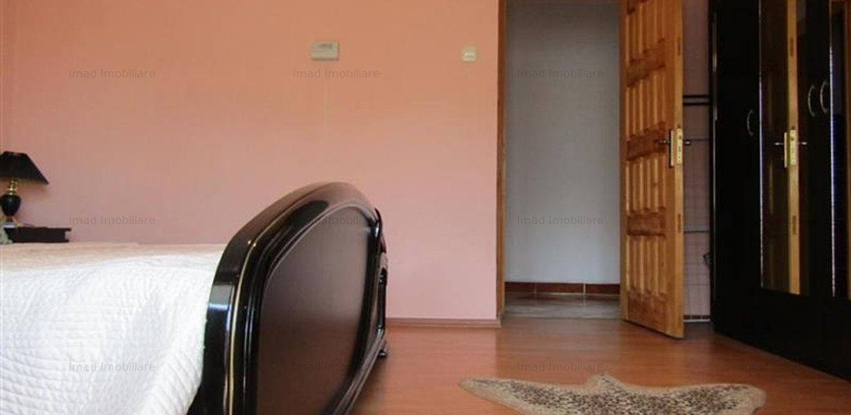 Decomandat! Vanzare apartament cu 4 camere in Targoviste micro 3! - imaginea 3