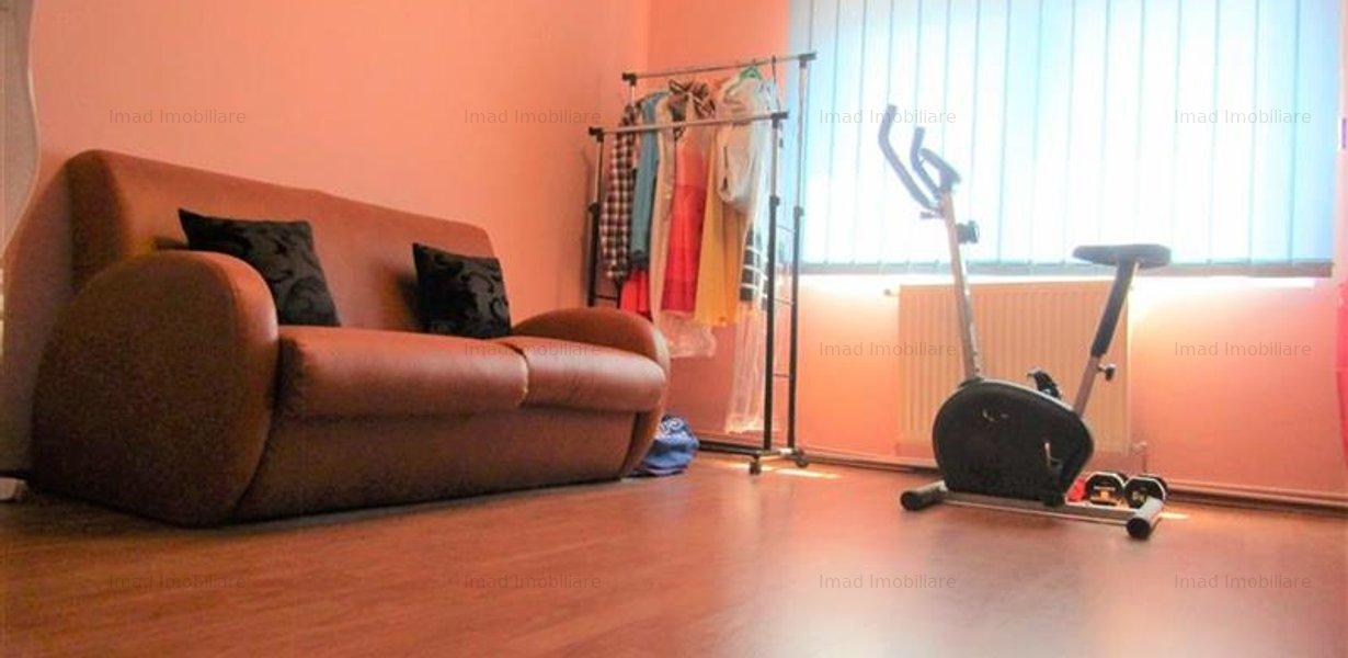 Decomandat! Vanzare apartament cu 4 camere in Targoviste micro 3! - imaginea 5