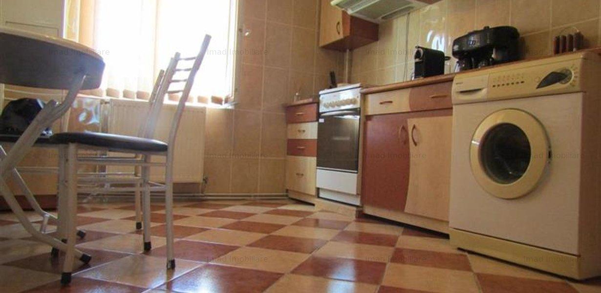 Decomandat! Vanzare apartament cu 4 camere in Targoviste micro 3! - imaginea 6