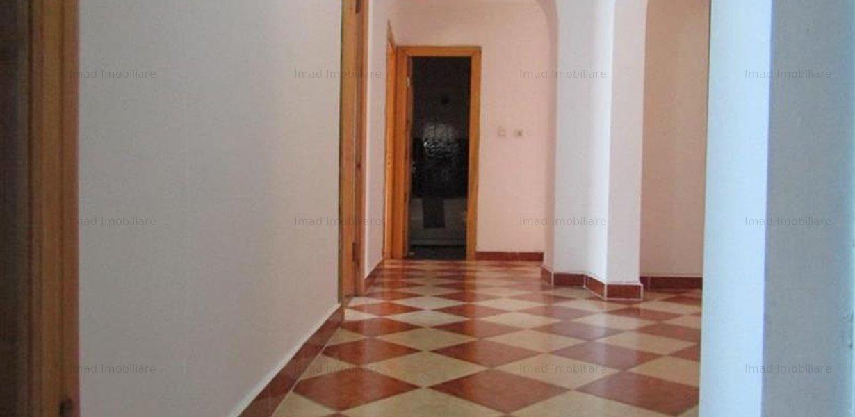 Decomandat! Vanzare apartament cu 4 camere in Targoviste micro 3! - imaginea 8