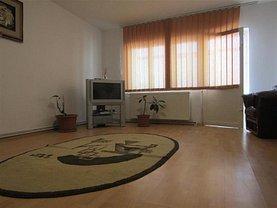 Apartament de vânzare 4 camere, în Târgovişte, zona Micro 3