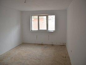 Apartament de vânzare 3 camere în Sfantu Gheorghe, Periferie