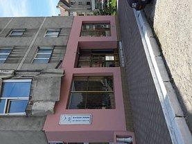 Apartament de vânzare 3 camere, în Negru Voda