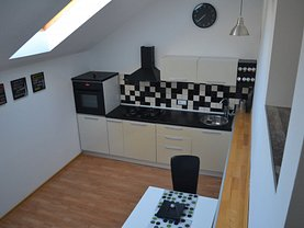 Apartament de închiriat 3 camere, în Brasov, zona Schei