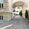 Casa de închiriat 13 camere, în Bucureşti, zona P-ţa Romană
