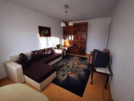Apartament de închiriat 3 camere, în Ploieşti, zona Democraţiei