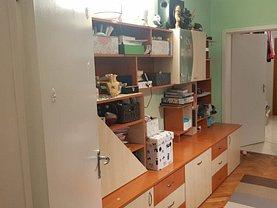 Apartament de vânzare 3 camere, în Bucureşti, zona Pajura
