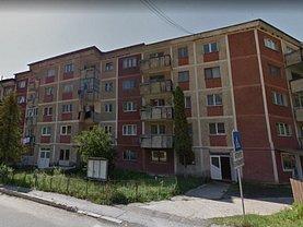 Apartament de vânzare 3 camere, în Voineasa
