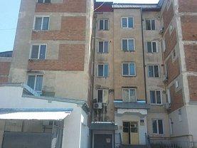 Apartament de vânzare 3 camere, în Rosiori de Vede, zona Nord