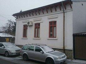 Casa de vânzare 3 camere, în Ploieşti, zona Ultracentral