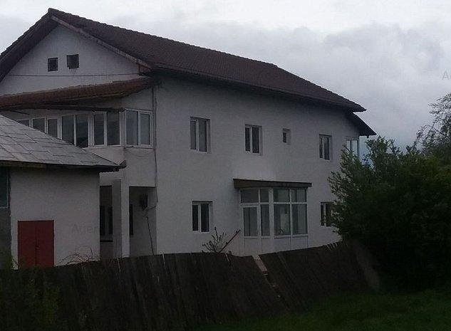 Casa / Vila cu 5 camere - imaginea 1