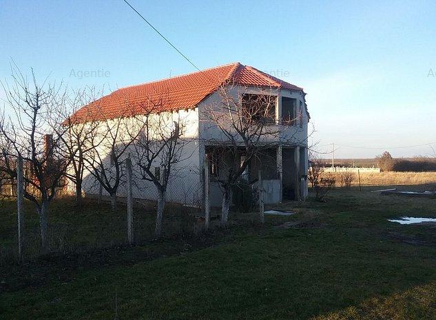 Casa / Vila cu 4 camere - Alunis - imaginea 1