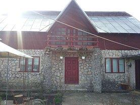 Casa de vânzare 3 camere, în Drăghici