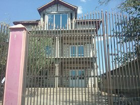 Casa de vânzare 5 camere, în Sintesti