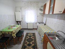 Apartament de închiriat 2 camere, în Bacău, zona Mioriţei