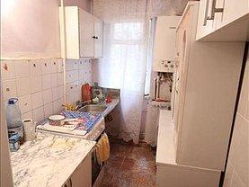 Apartament de vânzare 2 camere în Bacau, Banca Nationala