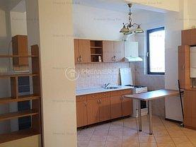 Apartament de închiriat 3 camere, în Iasi, zona Central