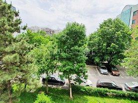 Apartament de vânzare 3 camere, în Bucureşti, zona Turda