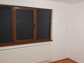 Apartament de vânzare 3 camere în Ramnicu Sarat, Central