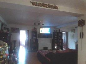 Casa de închiriat 3 camere, în Craiova, zona Central