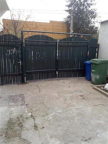Casa,curte Chitila Lukoil - imaginea 1