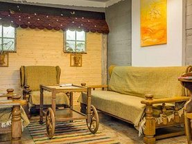 Casa de vânzare 9 camere, în Păltiniş, zona Central