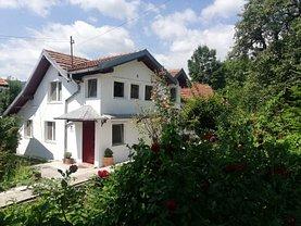 Casa de vânzare 8 camere, în Comarnic, zona Vatra Satului