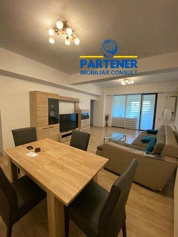 Apartament 3 camere, Centru, bloc nou, etaj 1, mobilat, centrala - imaginea 1