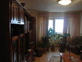 Apartament de închiriat 3 camere, în Pitesti, zona Fratii Golesti