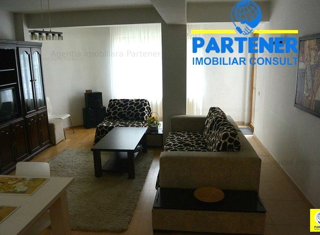 Apartament 3 camere + curte, Centru, bloc nou, parter - imaginea 1