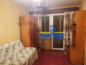Apartament de vânzare 3 camere, în Piteşti, zona Banat