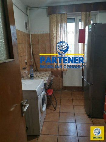 Apartament 2 camere, Craiovei, finisaje clasice, centrala termica - imaginea 1