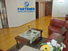 Apartament de vânzare 5 camere, în Piteşti, zona Teilor