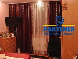 Apartament de vânzare 3 camere, în Piteşti, zona Craiovei