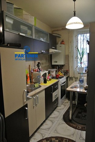 Apartament 2 camere Craiovei, complet mobilat si utilat, centrala proprie - imaginea 1