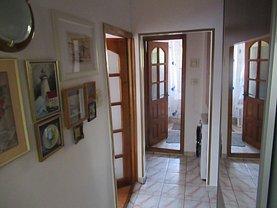 Apartament de vânzare 3 camere, în Piteşti, zona Găvana