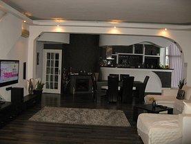 Casa de vânzare 5 camere, în Piteşti, zona Popa Şapcă
