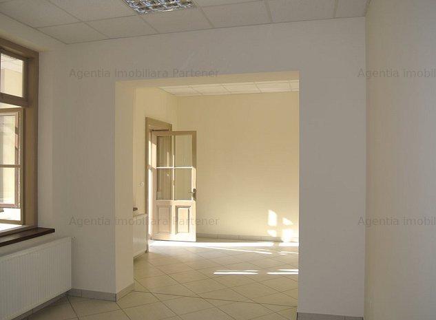 Casa zona semicentrala, 150mp, renovata, pretabila cabinet/birouri - imaginea 1