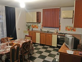 Casa de închiriat 6 camere, în Pitesti, zona Prundu