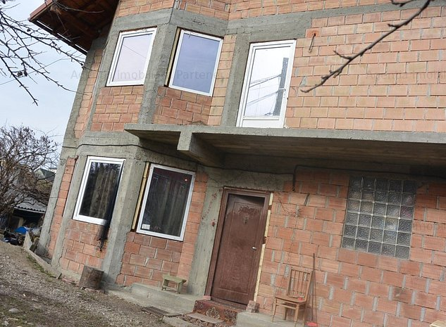 casa Negru Voda , 5 camere , teren 350 mp ! - imaginea 1