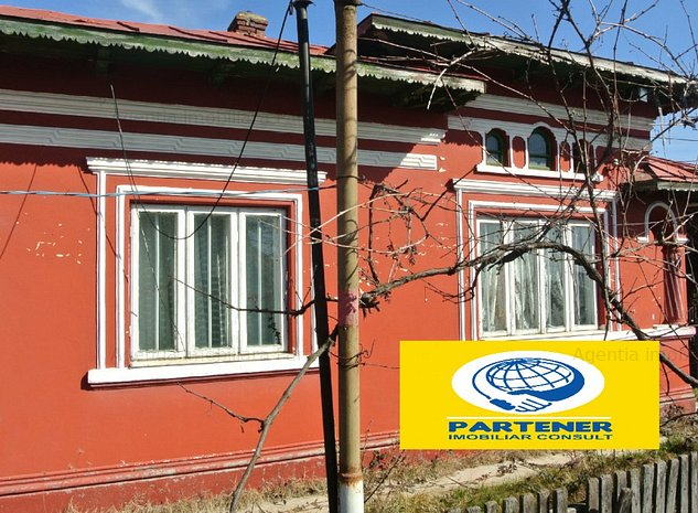Casa si teren 6000 mp Teiu/acces autostrada/fond de vanatoare in zona/ - imaginea 1