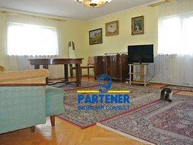 Casa de închiriat 10 camere, în Piteşti, zona Nord