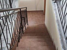 Casa de vânzare 10 camere, în Pitesti, zona Gavana