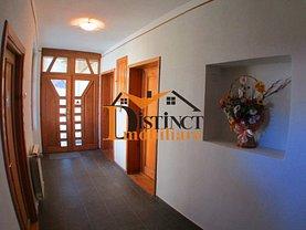 Casa de închiriat 7 camere, în Braşov, zona Braşovul Vechi