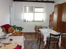 Apartament de vânzare 3 camere, în Bucureşti, zona Apărătorii Patriei