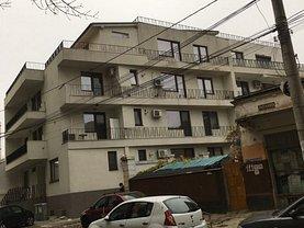 Apartament de vânzare sau de închiriat 3 camere, în Bucureşti, zona Decebal