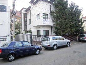 Casa de vânzare sau de închiriat 11 camere, în Bucuresti, zona Unirii