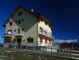 Casa de vânzare 12 camere, în Pitesti, zona Central