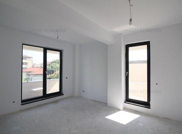 Apartamente 3 camere de vânzare 1 Mai bloc 2019 - imaginea 1