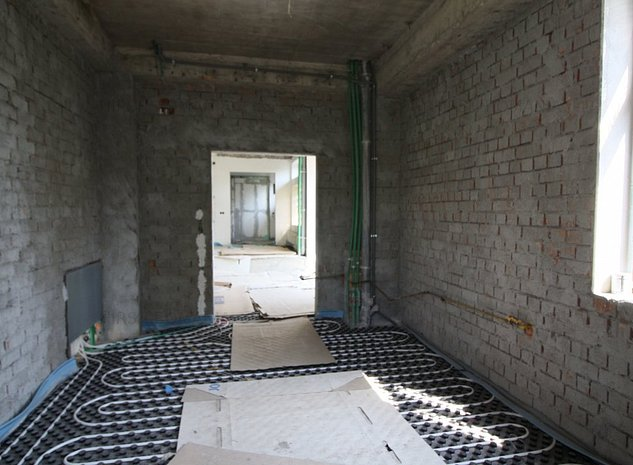 Casa de vânzare 9 camere - imaginea 1